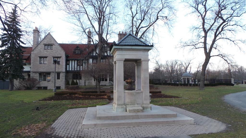 Willistead Park Queen Victoria Memorial